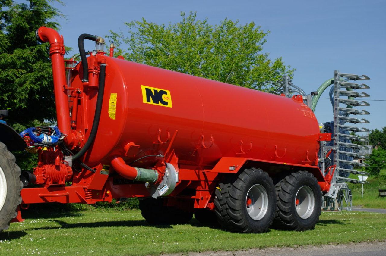 4200 Gallon Vacuum Tanker With Auto Fill Arm Turbo Filler