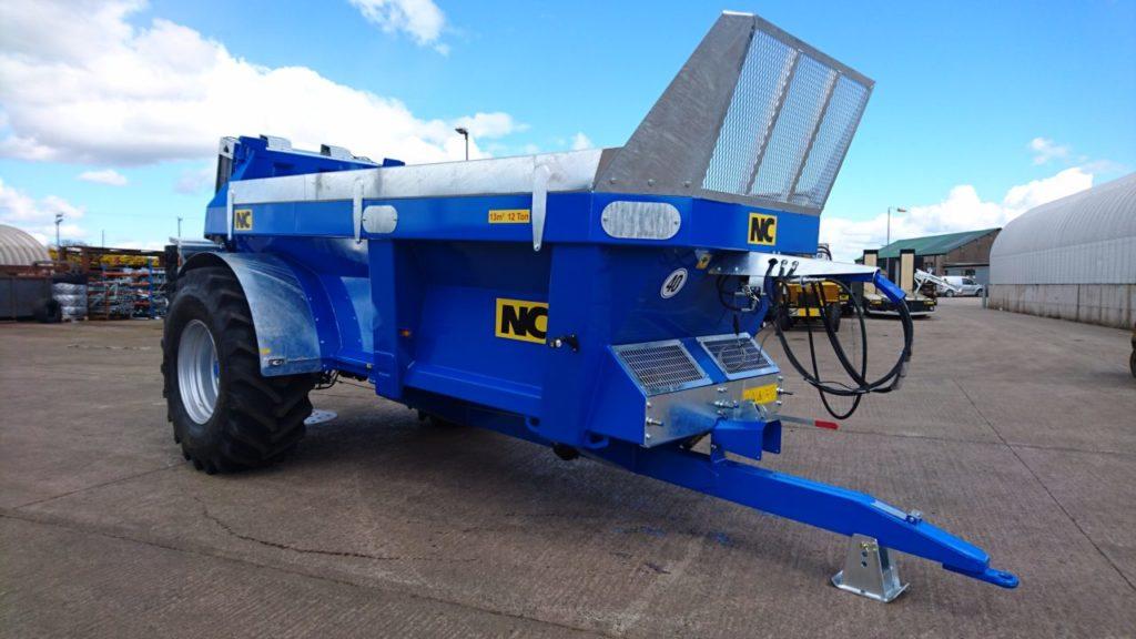 Rear Discharge Spreader : Manure Spreaders - NC Engineering